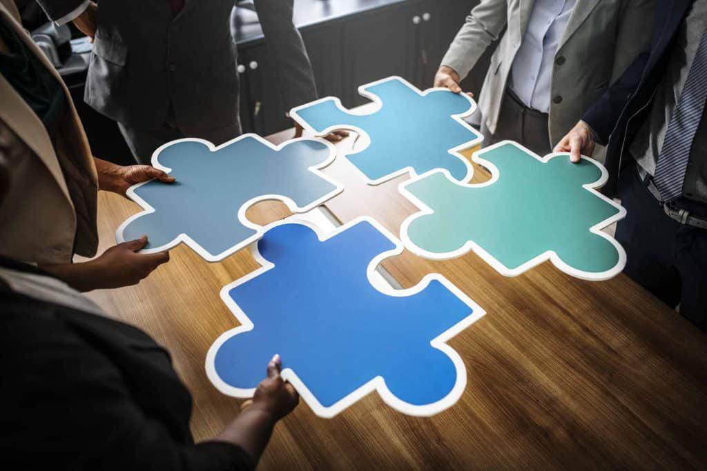 Grafika przedstawiająca puzzle.